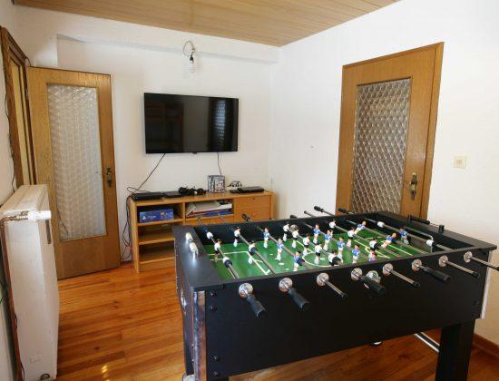 EG Schlafzimmer 4 - Kicker und Videospiele