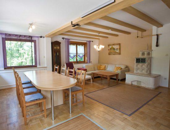 EG Wohnzimmer - Esstisch und Eck-Couch