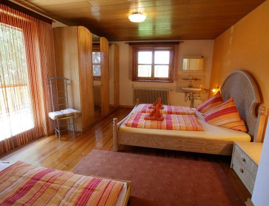 OG Schlafzimmer 1 - Doppelbett