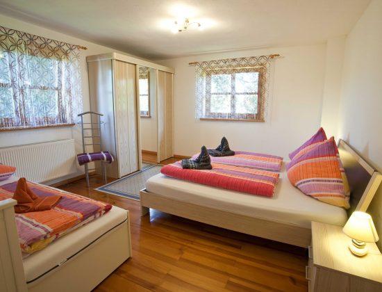 OG Schlafzimmer 2 - Doppelbett