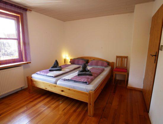 OG Schlafzimmer 3 - Doppelbett